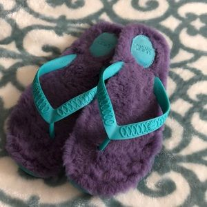 UGG flip flops . Size 8 turquoise and purple